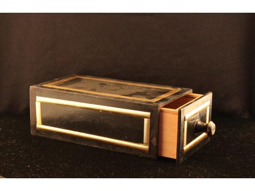 Mefisto krabice (box) 007